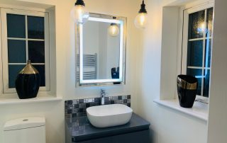 Master bedroom ensuite vanity unit - lights
